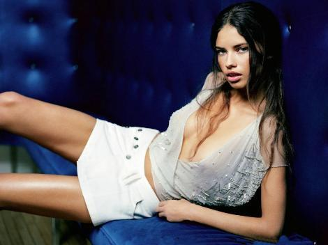 Batman Red Son ADRIANA LIMA EVLENDİ ...