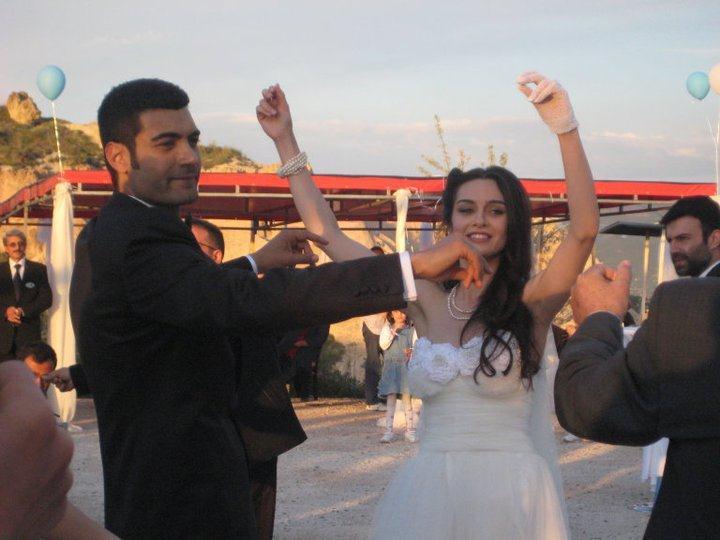 BİRCE AKALAY - MURAT ÜNALMIŞ (DÜĞÜN 2011)