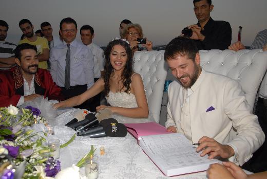 Deniz Evin ve Gaye Turgut evlendi