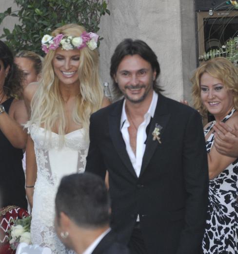Alaçatı'da evlendiler