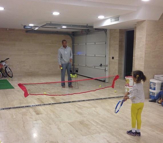29 03 2013%2015 05 42 Felipe Melo ve ailesi