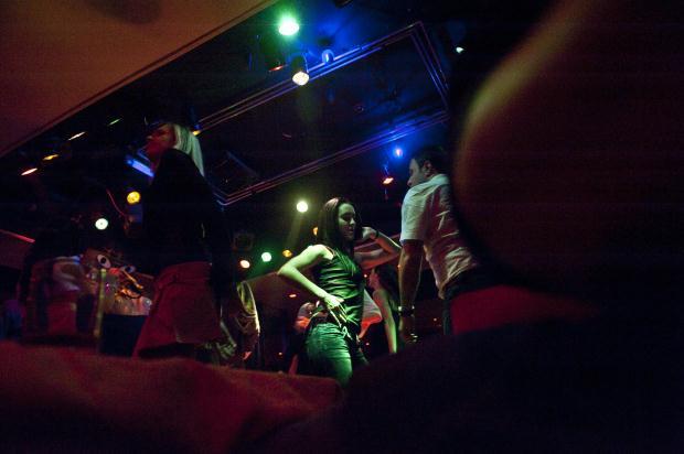 Istanbul Un Striptiz Kulupleri 2010 8 Magazin Foto Galeri