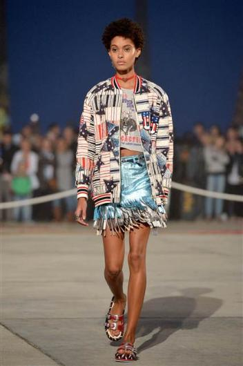 TOMMY HILFIGER DEFİLESİ 2017