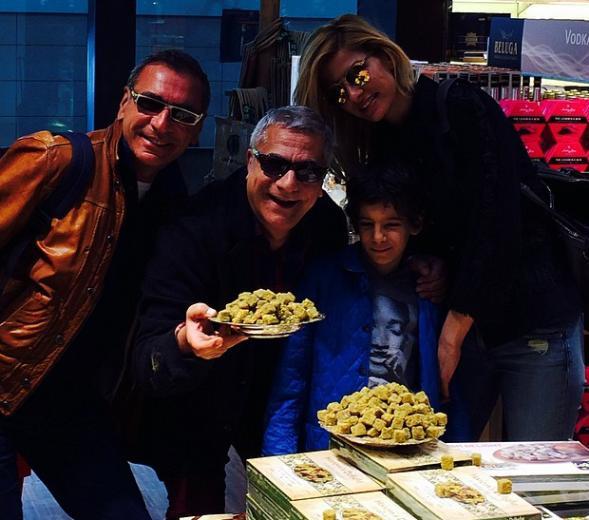 Mehmet Ali Erbil ailece tatil