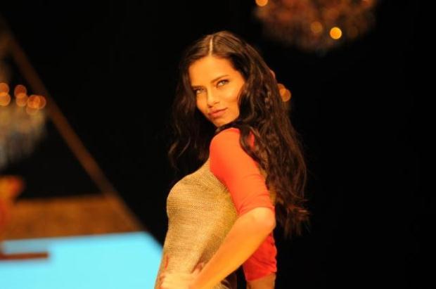 ADRIANA LIMA (ANTALYA 9 OCAK 2013)